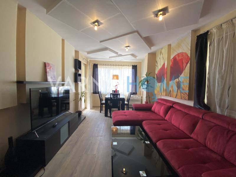 Бриз, панорамен тристаен апартамент