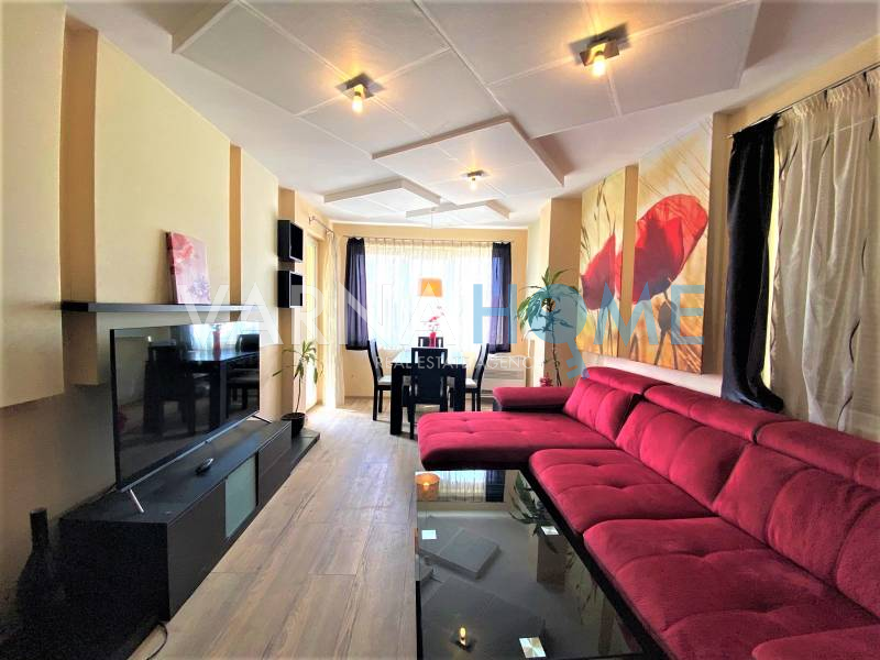 кв. Бриз, панорамен тристаен апартамент