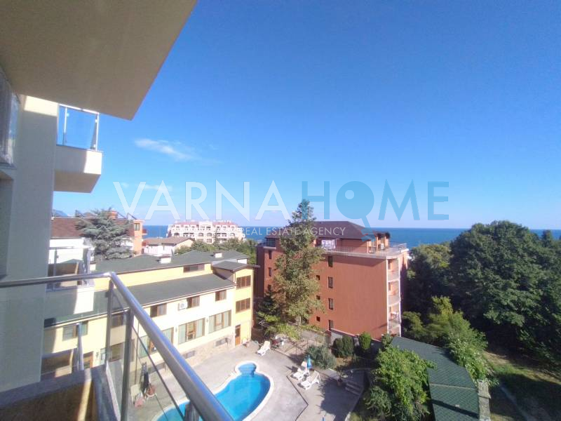 Тристаен панорамен апартамент…
