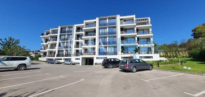 Тристаен апартамент в кв. Левски